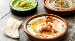 Hummus kotletem schabowym wegetarian