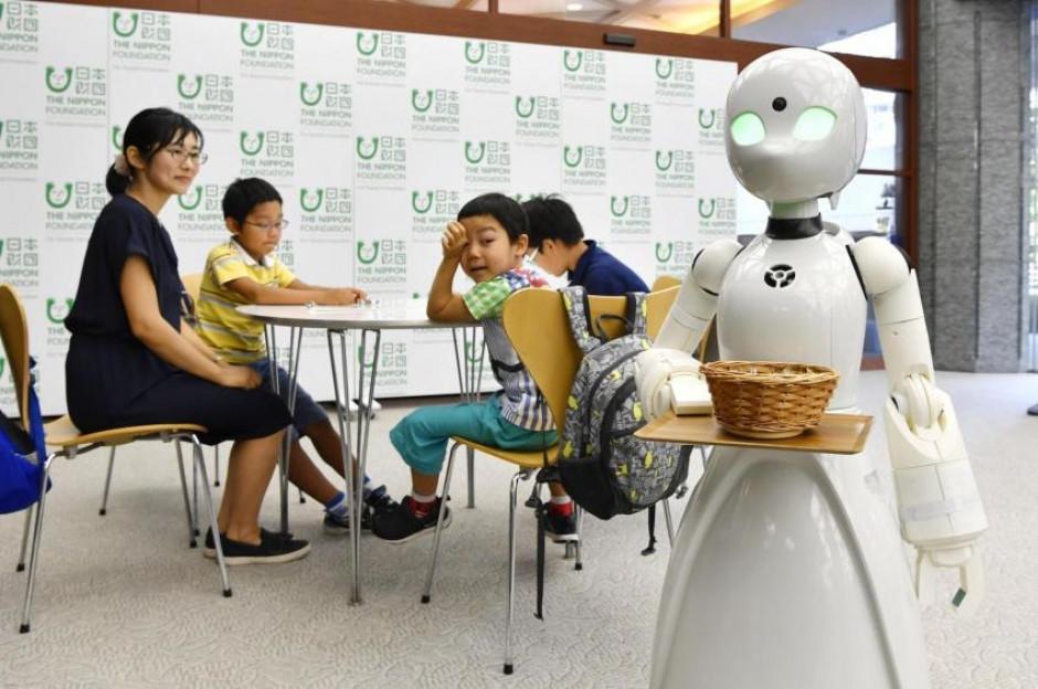Roboty – kelnerzy w japońskich kawiarniach wesprą niepełnosprawnych