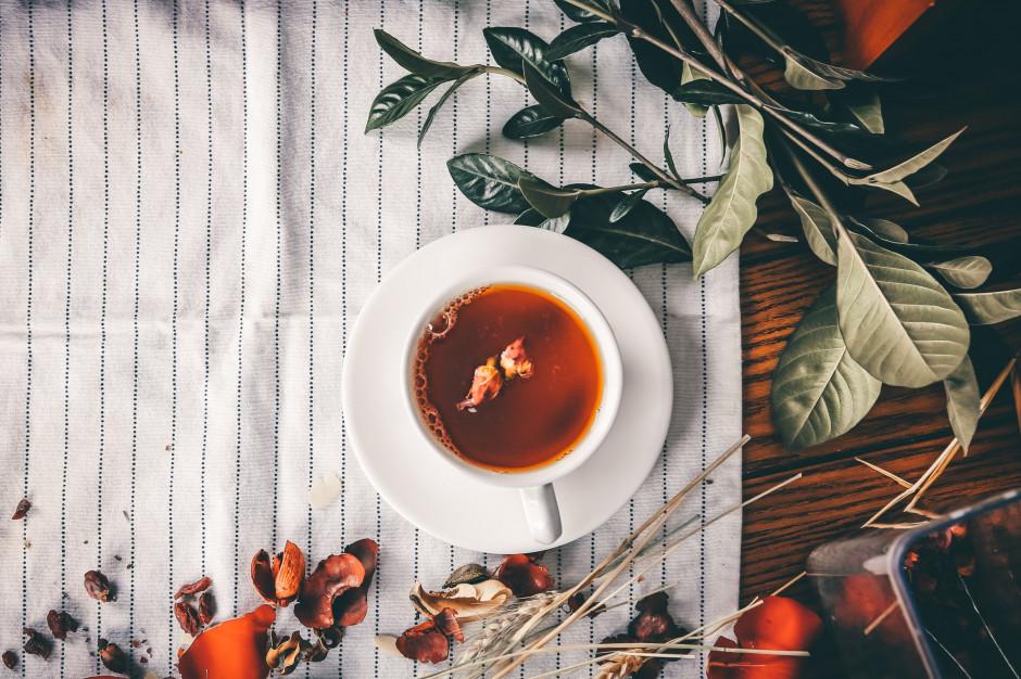 15 grudnia obchodzimy Międzynarodowy Dzień Herbaty. Jak ją pijemy?