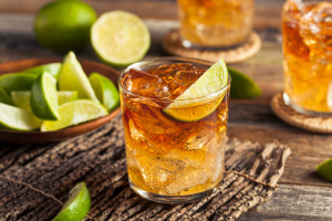 Po modzie na whisky przyszła moda na rum