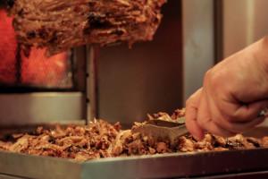 Zabójstwo przed barem z kebabem w Ełku znów na wokandzie sądowej