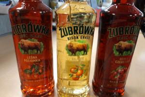 Trzy nowe smaki Żubrówki: Leśna Poziomka, Rajskie Jabłko i Dzika Czereśnia