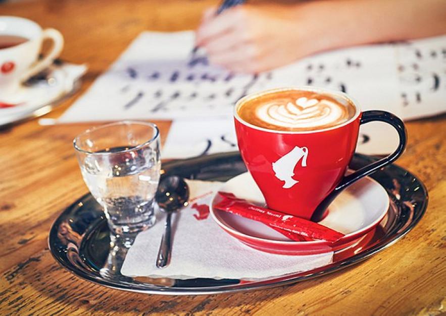21 marca w Światowy Dzień Poezji za kawę zapłacimy wierszem