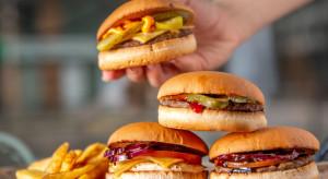 Meet & Fit: Burger z frytkami za około 10 zł