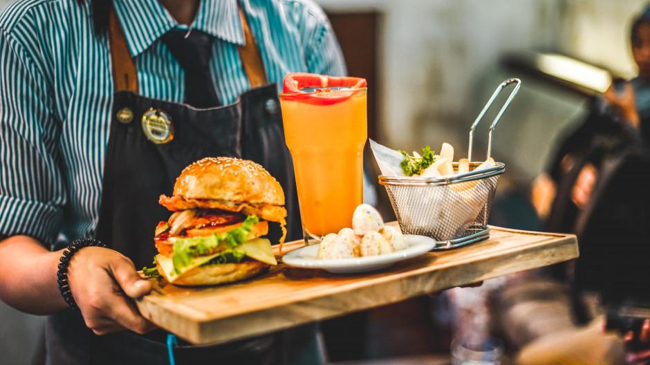 Mr Hamburger uruchamia lokal w nowym koncepcie Bucket's Story