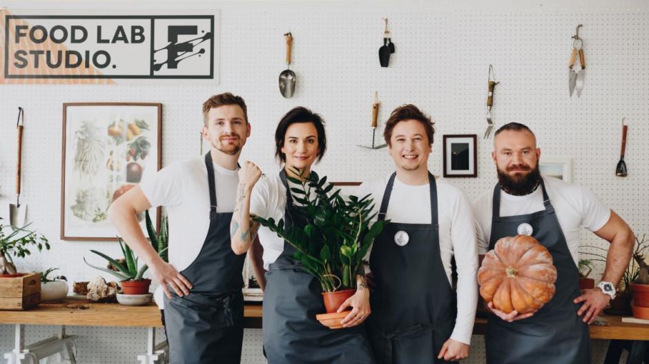 """Znani szefowie kuchni zainaugurowali cykl charytatywnych kolacji wegańskich  """"Chefs For Change"""""""