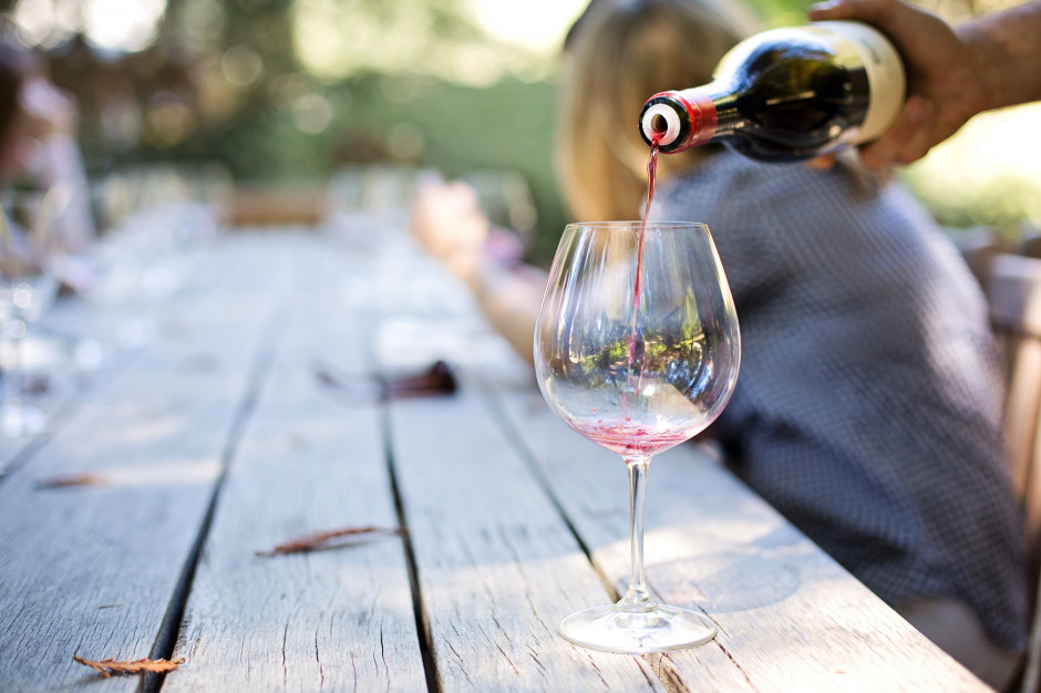 Polacy piją coraz więcej wina