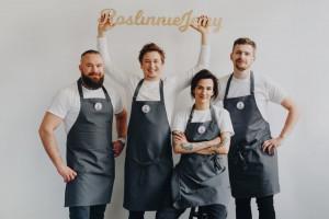 RoślinnieJemy z cyklem roślinnych kolacji charytatywnych Chefs For Change