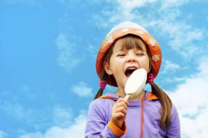 Oranżada, kogel mogel, lody śmietankowe i polskie owoce - smaki dzieciństwa 40-latków