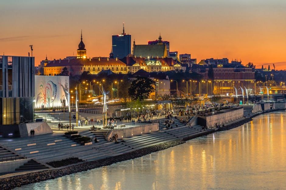 Warszawa rezygnuje z plastiku