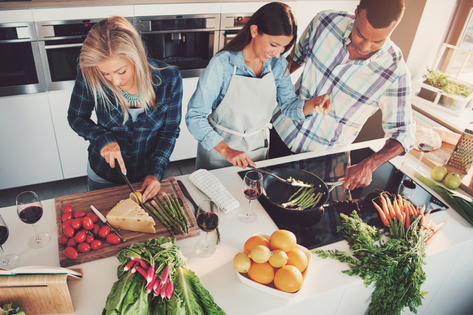 IKEA: W zatłoczonych miastach przyszłości ludzie będą współdzielić kuchnie i jadalnie