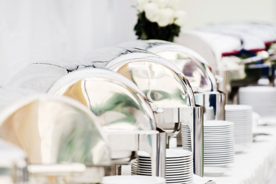 Firma cateringowa Sodexo na celowniku Stowarzyszenia Otwarte Klatki