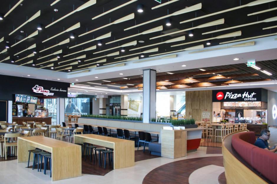 """Nowy food court w Galerii Mazovia w Płocku w """"wioślarskim"""" stylu"""