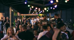 Startuje Gastro Fajer pod hasłem #taktrzebażyć - nocny market na tarasach katowickiego Spodka