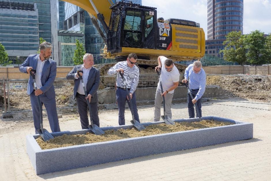 Polski Holding Nieruchomości rusza z budową SKYSAWA w centrum Warszawy