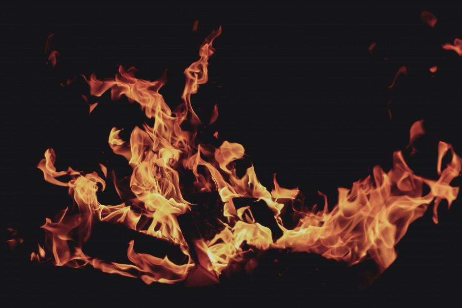 Płonie hotel w Sarbinowie