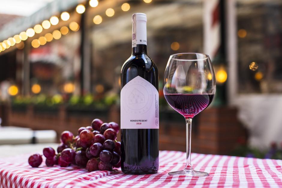 Wina z winnicy Turnau w restauracjach Jarczyńskiego