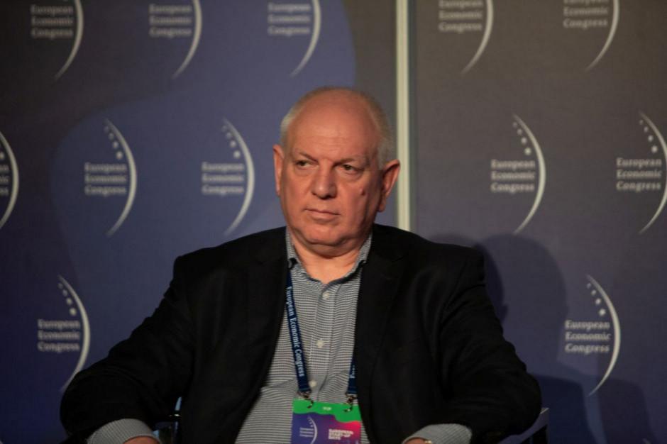 Sfinks podpisał umowę z Sylwestrem Cackiem na objęcie emisji