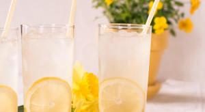 Woda, lemoniada, piwo - czym Polacy gaszą pragnienie latem?