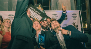 Mike Jordhoy z Francji triumfuje na międzynarodowym konkursie barmańskim wKrakowie