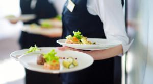 Polacy szukają pracy w gastronomii poza krajem. Głównie w Niemczech i Wielkiej Brytanii
