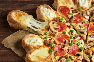 Pizza Korona powraca do menu Pizza Hut
