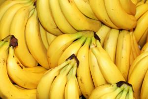 Tylko 13 procent Polaków sięga po samotne banany