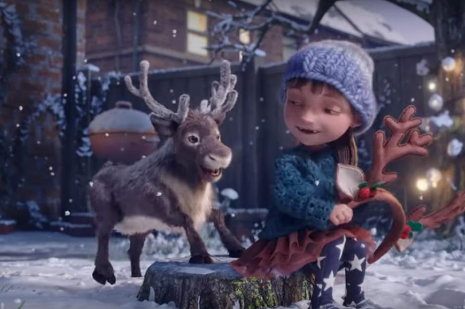 McDonald's opowieścią o przyjaźni dziewczynki z małym reniferkiem reklamuje się na święta