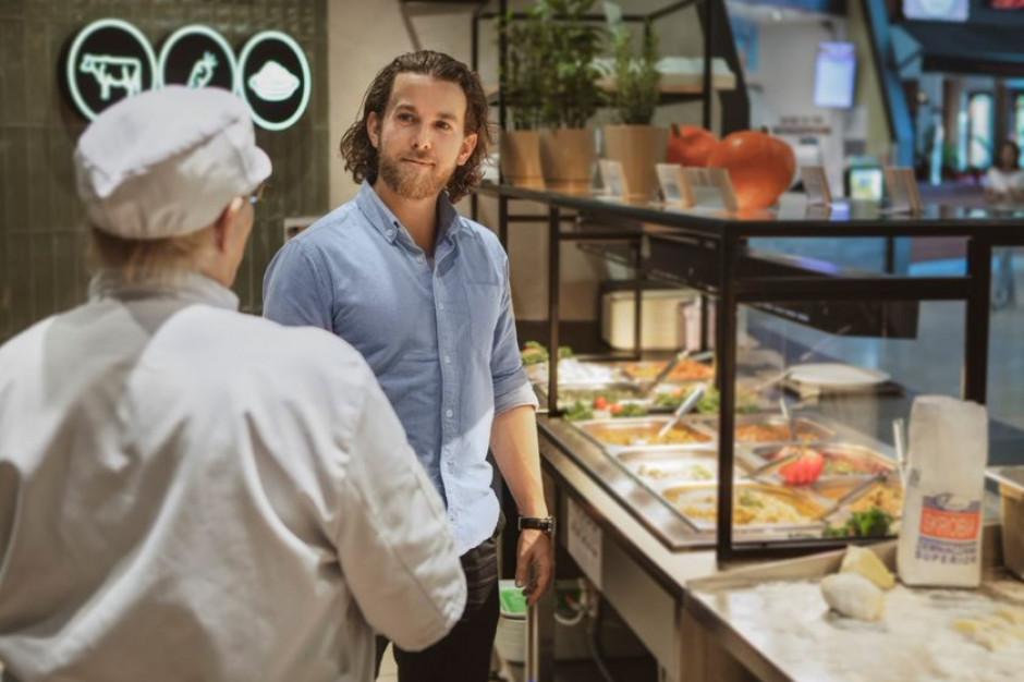 """""""Rynek pracownika"""" dużym wyzwaniem dla branży gastronomicznej. Jak rekrutować?"""