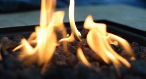Wrocław: Pracownica restauracji dolewała paliwa do paleniska. W ciężkim stanie trafiła do szpitala