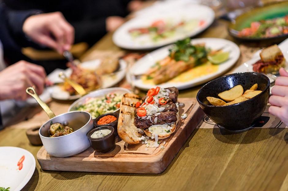 Restauracja Pjaca kolejnym kulinarnym konceptem w Browarach Warszawskich