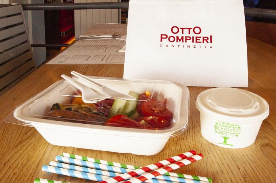 Coraz więcej restauracji zachęca do zabierania resztek potraw do domu