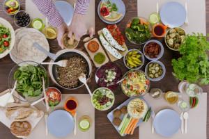RoślinnieJemy: Ponad 68 proc. osób jedzących poza domem zamawia dania bezmięsne