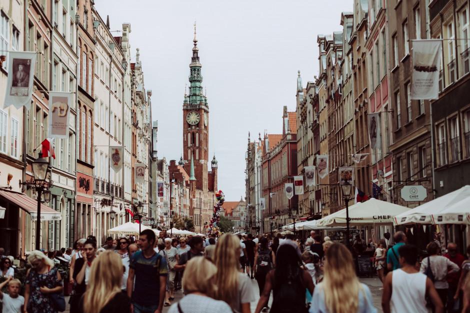 Emilewicz: możemy zachęcić do podróżowania po Polsce przez cały rok