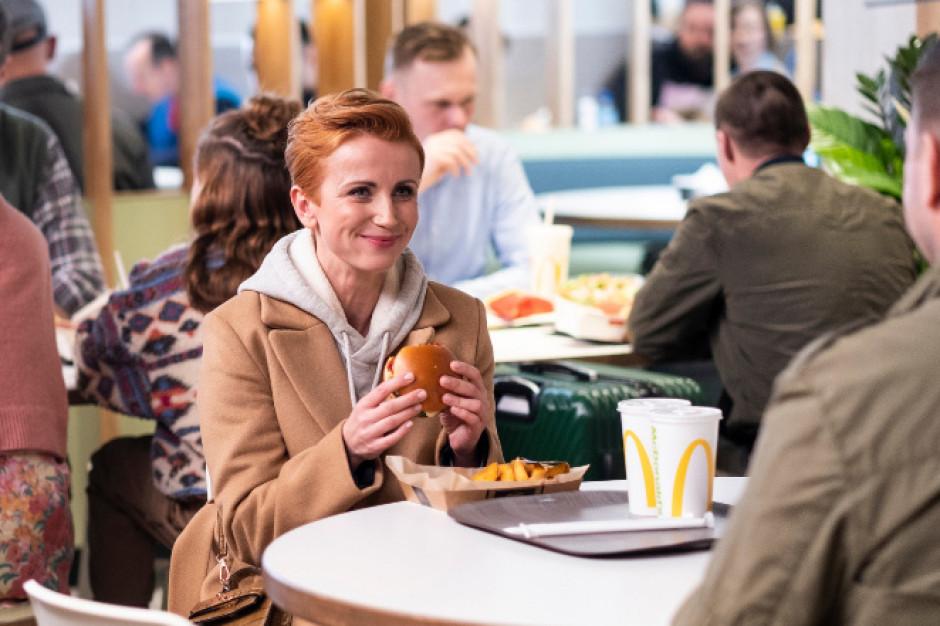 McDonald's: niestandardowy spot z udziałem Tomasza Karolaka i Katarzyny Zielińskiej (wideo)