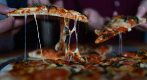 Pizza to nowe polskie danie narodowe, kupuje ją 60 proc. Polaków