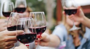 Badanie: Ponad połowa Polaków najchętniej kupuje czerwone wina wytrawne