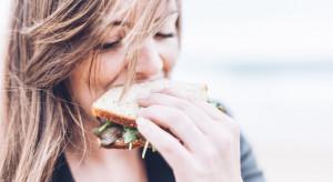 Polki w ciągu swojego życia nawet 17 lat spędzają na diecie