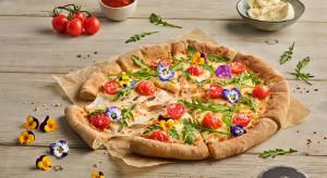 Pizza Hut wprowadza na Dzień Kobiet pizzę z jadalnymi kwiatami