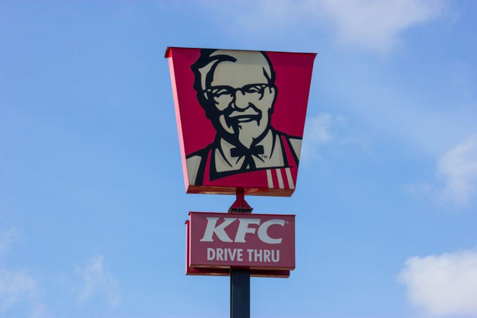 KFC poleca drive thru oraz dostawy bez spotkania z dostawcą