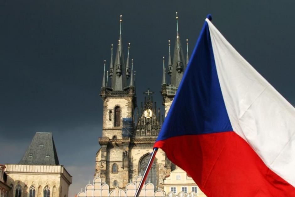 Czechy zarządziły zamknięcie restauracji i sklepów na 10 dni