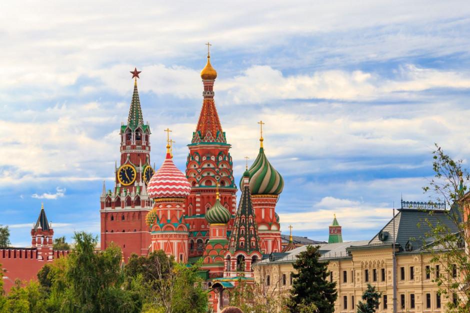 Moskwa zamknie w wolnym tygodniu restauracje, centra handlowe i bary