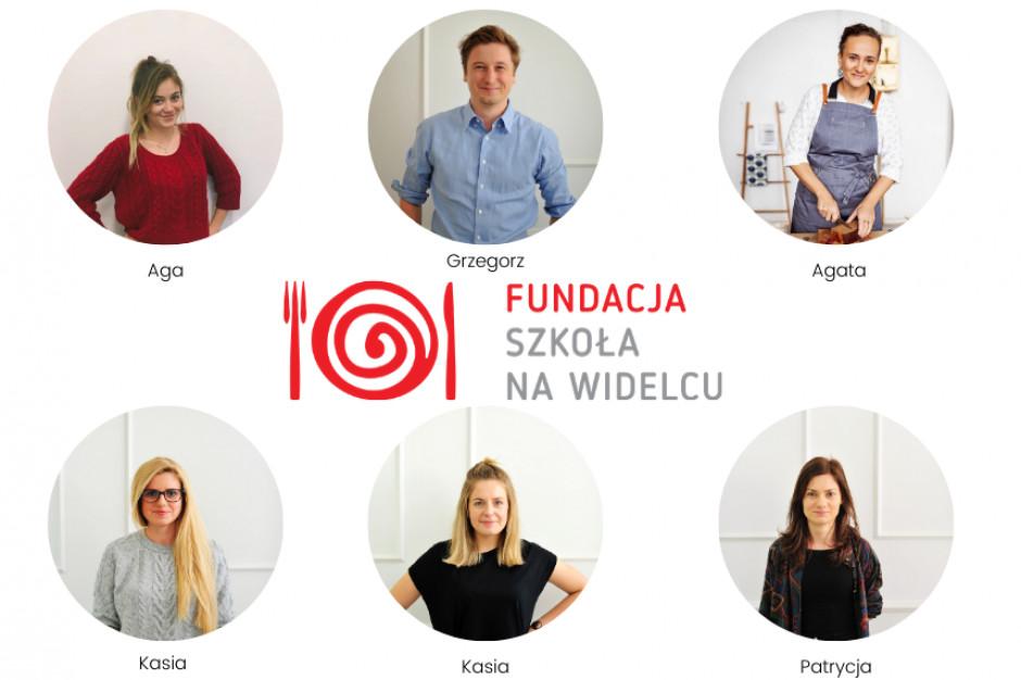 """Szkoła na widelcu wystartowała z akcją """"Paczka Dobra"""""""