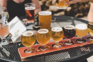 Kompania Piwowarskawspiera HoReCa- odbierze niesprzedane piwo i wydłuża płatności