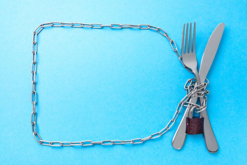 Francuscy kucharze apelują do prezydenta o otwarcie restauracji