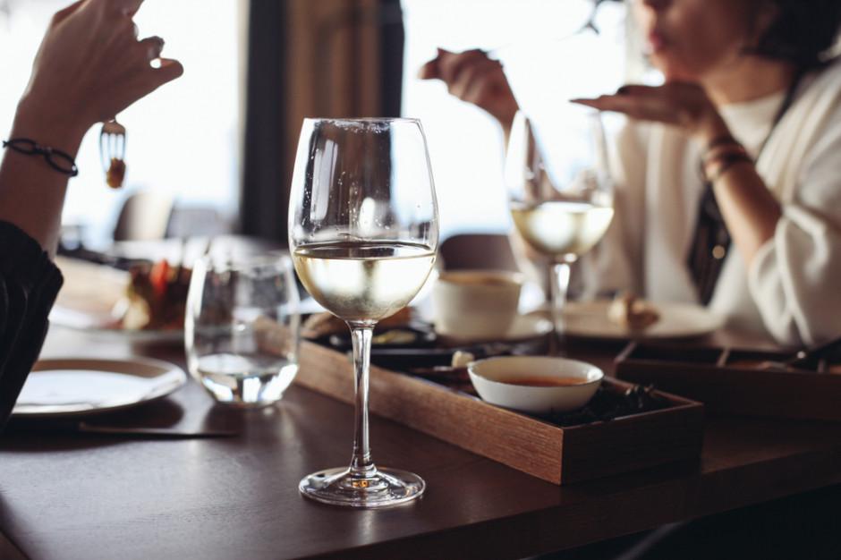 Decyzje o kolejnych poluzowaniach dot. restauracji nie wcześniej niż za dwa tygodnie