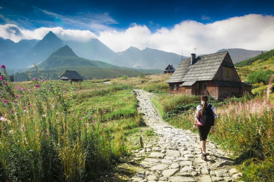 Rzecznik MŚP chce bonu turystycznego dla wszystkich płacących podatki