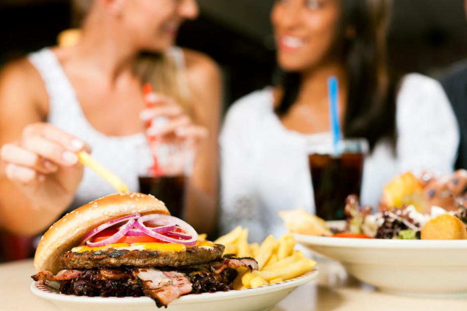 Koniec z limitami osób w restauracjach