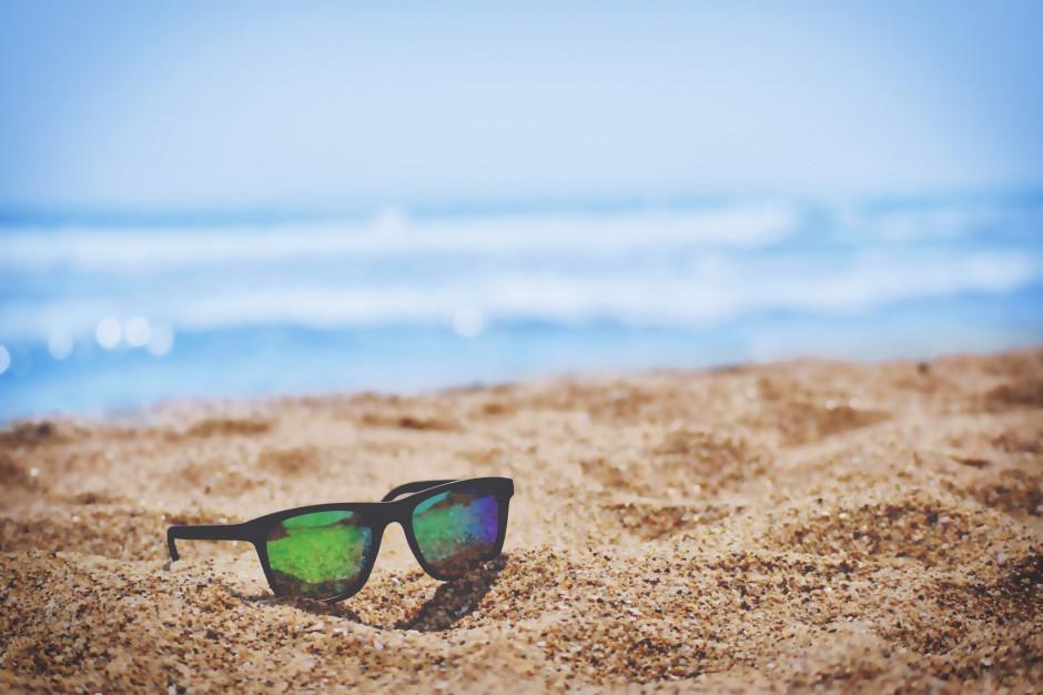 Co drugi polak zrezygnuje z tegorocznych wyjazdów wakacyjnych, a tylko kilka procent wybiera się za granicę (wideo)