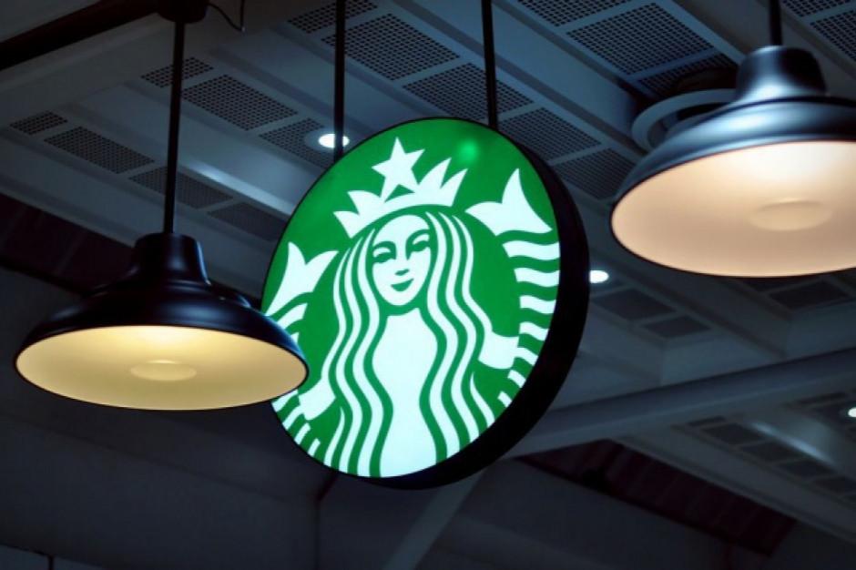 Starbucks zawiesił reklamy w mediach społecznościowych